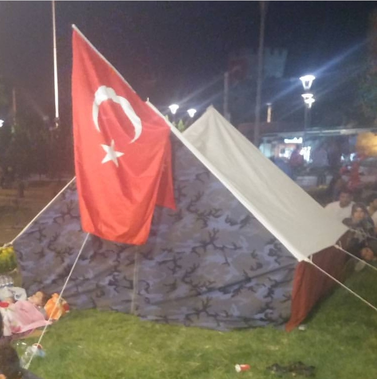 http://www.fsm.edu.tr/resimler/upload/12_20162017-07-14-02-51-34pm.072017-07-14-02-51-34pm.15-Ahmet-Salih-Cetinkaya---Kayseri-Cumhuriyet-Meydani-ve-Sivas-Caddesi-22017-07-14-02-51-34pm.jpg